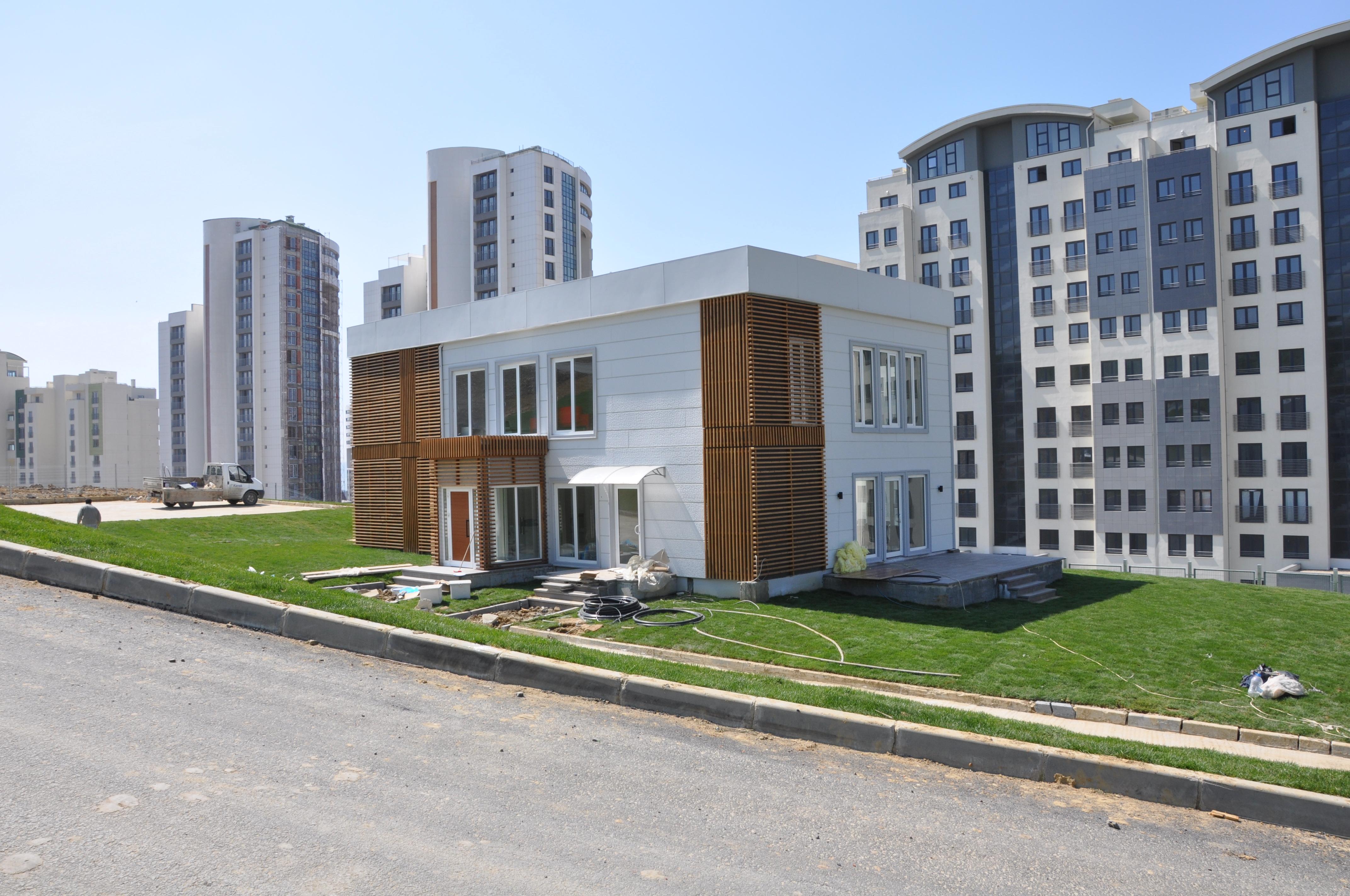 constructeur-bâtiment-bureau-enseignement