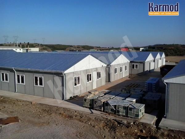 Nous faisons des bâtiments et des structures en acier préfabriqué chantier de construction clef en main