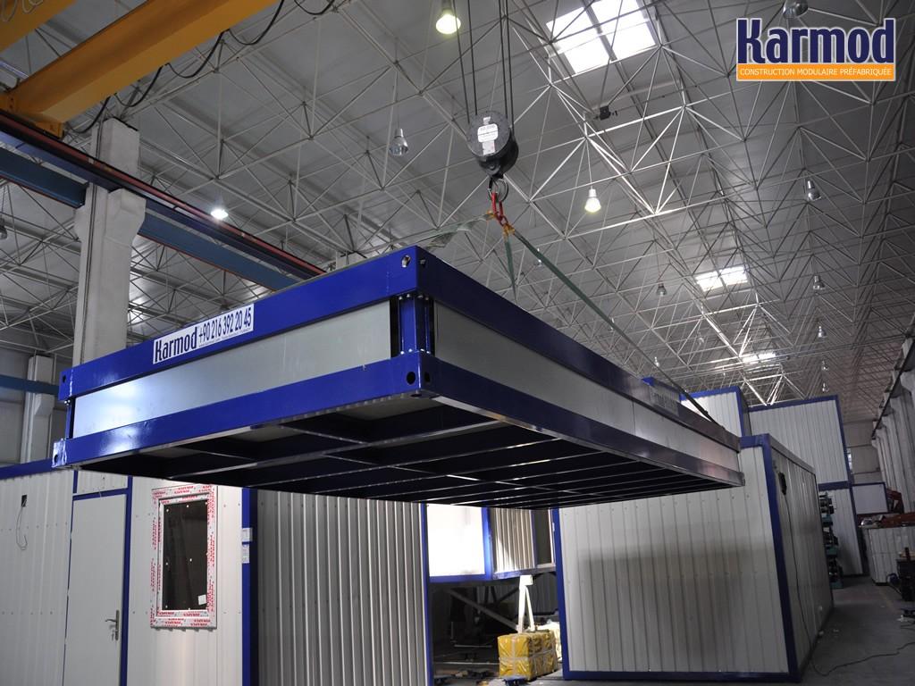 B timent industriel temporaire monobloc d montable karmod for Conteneur construction