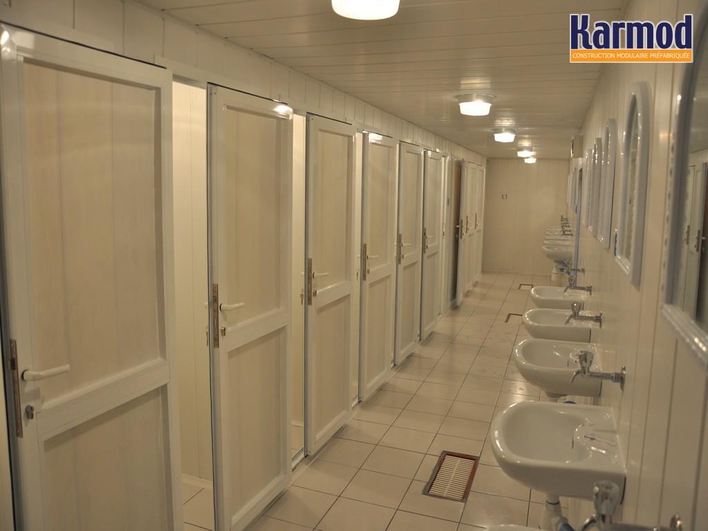 Conteneurs de douche et toilettes portables karmod for Cabine de douche toilette lavabo