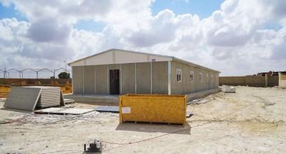 Le bâtiment de chantier qui produit l'extraction de pétrole en Libye est terminée